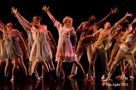 'Unoccupied'; Choreographer: Mike Esperanza; Company: BARE Dance Company