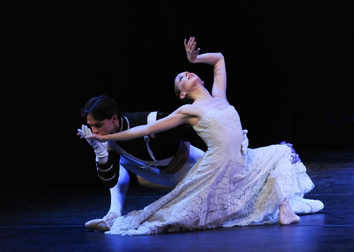 Luca Sbrizzi & Alexandra Kochis in Antony Tudor's 'Jardin Aux Lilas (Lilac Garden)'.