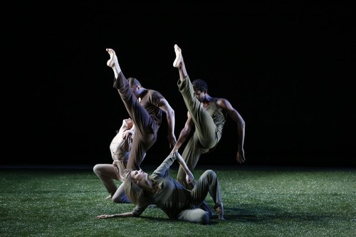 Grass Dancers: (back) Olivia Jordan, Michael Tomlinson, Duane Gosa and Caroline Kehoe Choreography by Jennifer Muller