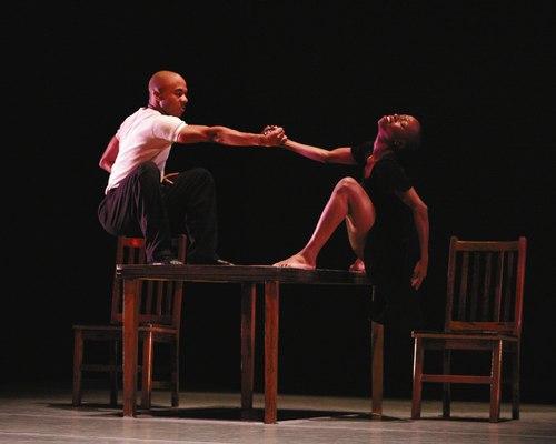 Matthew Rushing and Dwana Adiaha Smallwood in Urban Folk Dance by Ulysses Dove