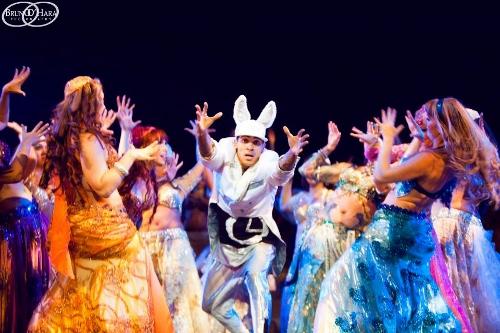 Bellydance Evolution in 'Alice in Wonderland'.