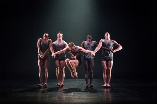 Martha Graham Dance Company in Nacho Duato's 'Rust'