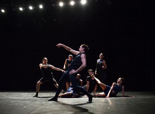 Ballet Hispanico in 'El Beso.'