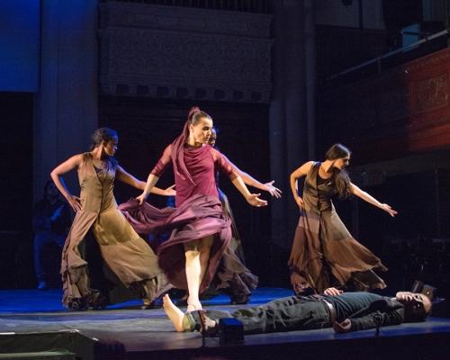Front - Soledad Barrio as Antigona<br>Behind- Laura Peralta, Xianix Barrera, Elisabet Torres