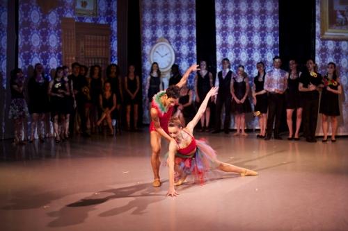 Greta Zuccarello and Jerard Palazo of Peridance Contemporary Dance Company.
