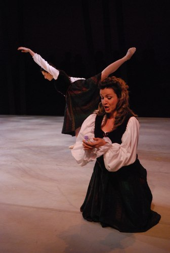 Soprano Hilda Ramos sings the role of Anna in Le Villi as Ashley Tuttle dances the role.