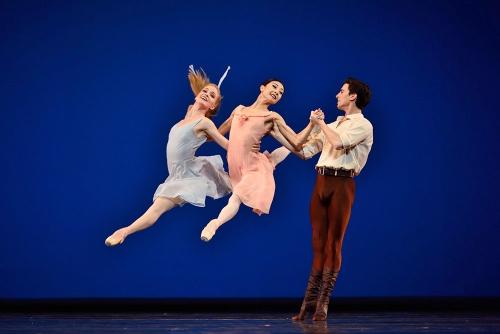 "Jerome Robbins: ""Dances at a Gathering"" Photo: Erik Tommasson<br>(L-R) Sasha de Sola, Yuan Yuan Tan and Joseph Walsh."