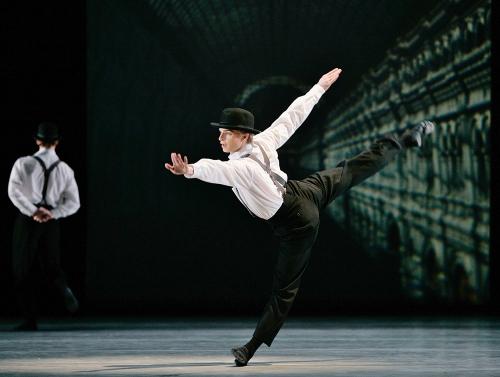 """Gennadi Nedvigin in Yury Posokhov's """"Margrittomania."""""""