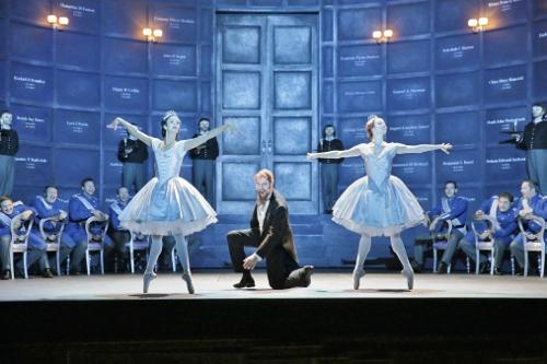 Susan Vishmid (dancer), Tim Mix (Capulet), and Beth Miller (dancer) in 'Roméo et Juliette.'
