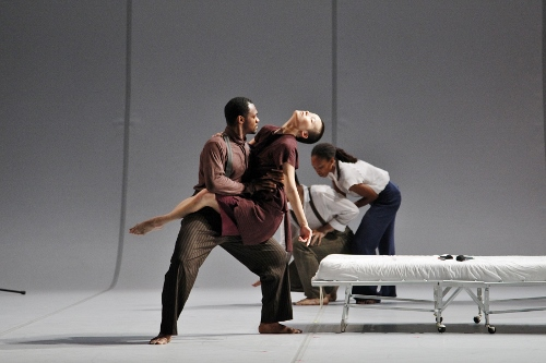 (foreground) Dancers Antonio Brown and I-Ling Liu in Bill T. Jones' 'Analogy/Dora: Tramontane.'