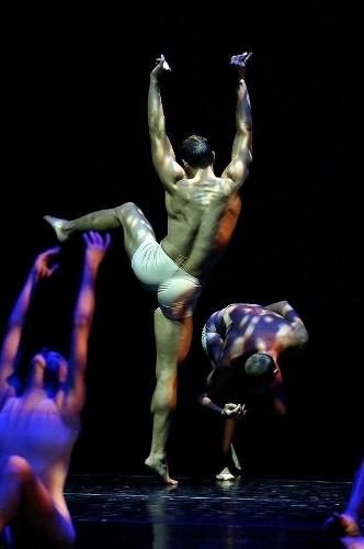 "Dance Kaleidoscope's dancers in Brock Clawson's ""Lake Effect Snow."""