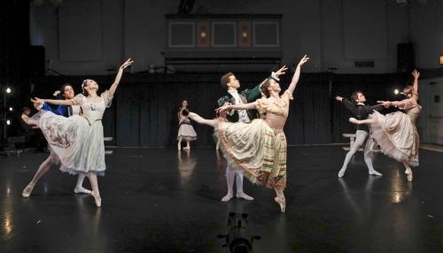 Photo: Harkness Dance Festival: New York Theatre Ballet<br>Antony Tudor's Soiree Musicale (1963).