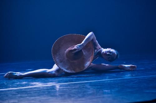 Ballet Hispanico in Michelle Manzanales''Con Brazos Abiertos'.