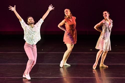 BODYTRAFFIC performing at the Wallis Annenberg Center for the Performing Arts May 31, 2018. o2Joy. Choreography: Richard Siegal. Joseph Davis, Natalie Leibert, Tina Finkelman Berkett.