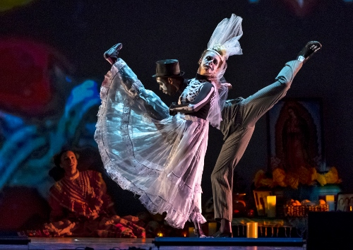 Oakland Ballet Company in 'Luna Mexicana.' Pictured: Samantha Bell and Landes Dixon.