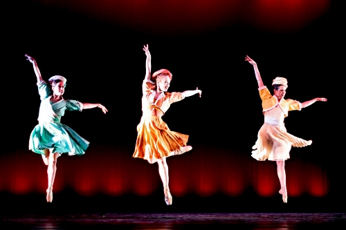 Neos Dance Theatre dancers in '1940's Nutcracker.'
