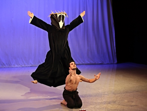 Photo of Lloyd Mayor and Lorenzo Pagano in Martha Graham's 'El Penitente'.