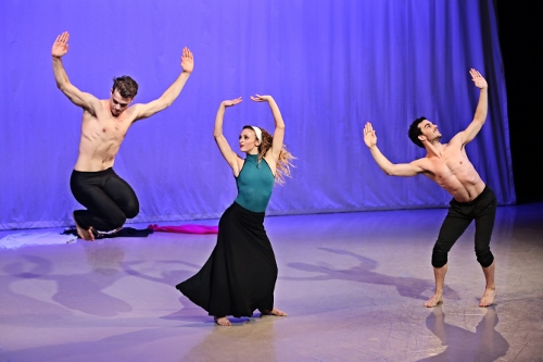 Photo of Lloyd Mayor, Marzia Memoli, and Lorenzo Pagano in Martha Graham's 'El Penitente'.