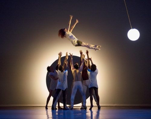 Alvin Ailey American Dance Theater in Jessica Lang's 'EN'.