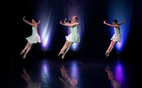 """Verb Ballets in Royce Zackery's """"Grace""""."""