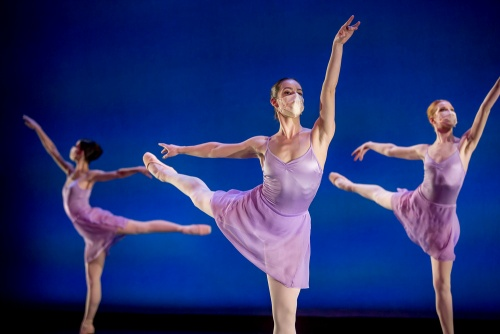 Milwaukee Ballet dancers in Symphony.