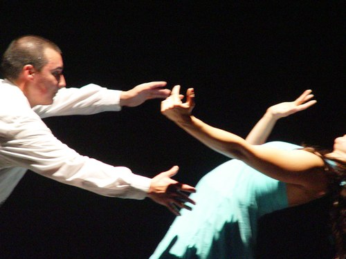 Cesar Garfiaz & Ana Maria Alvarez Salsa with out touching in a contra-tiempo favorite: the duet