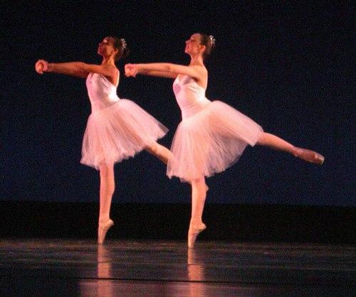 <a href='article.htm?id=1808'>Winter</a> Choreography: Daniel Baudentistel