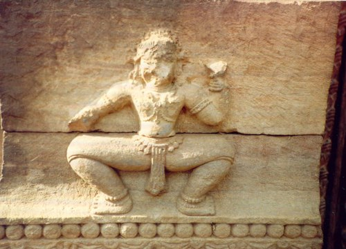 Temple relief of the basic Odissi stance: chowk or 'square', considered by dancers as related to the pose of the Jagannath image.