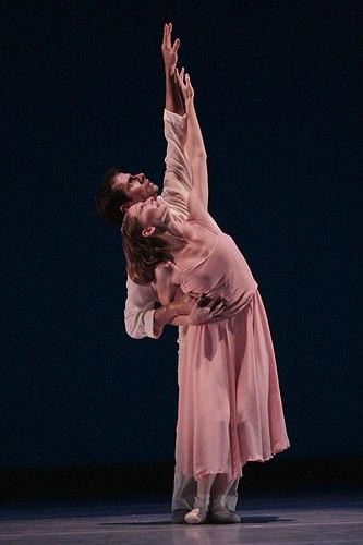 Kansas City Ballet's Kimberly Cowen and Juan Pablo Trujillo in The Still Point.