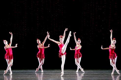Jennifer Kronenberg and MCB dancers in 'Rubies'