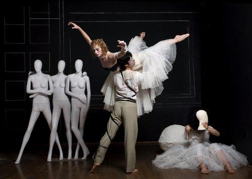 Helen Hansen in Buglisi Dance Theatre's Mannikins