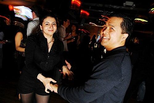 Hot Salsa Fridays at Iguana's VIP Lounge<br> (<a href='http://www.juleshelm.com'>www.JulesHelm.com</a>)