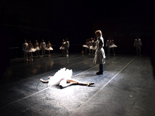 Ada (the Victim) and the Inspector in Maurice Bejart's 'Le Concours' on Bejart Ballet Lausanne. Photo courtesy Bejart Ballet Lausanne.
