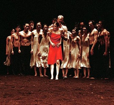 Bausch's FRUEHLINGSOPFER ('Rite of Spring') danced on a stage covered with earth
