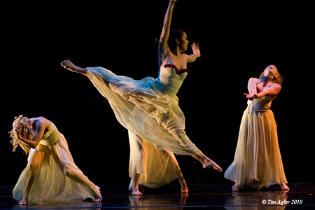 'Flowers That Pick Themselves' by RhetOracle Dance Company/Nate Hodges