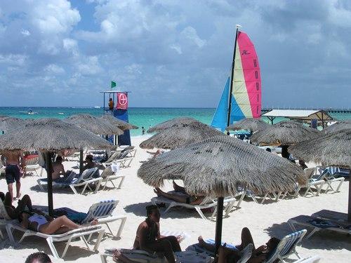 Sunworshippers find shade at Mamitas Beach Club