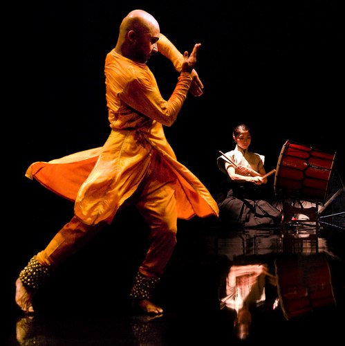 Akram Khan and musicians (including Yoshie Sunahata on taiko) performing Khan's 'Gnosis' Photo courtesy Theatre de la Ville